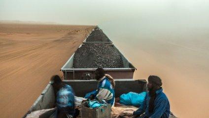 На даху потяга: неймовірна подорож пустелею - фото 1