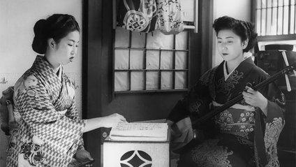 Як виглядав побут справжнісіньких японських гейш: ефектні фото - фото 1