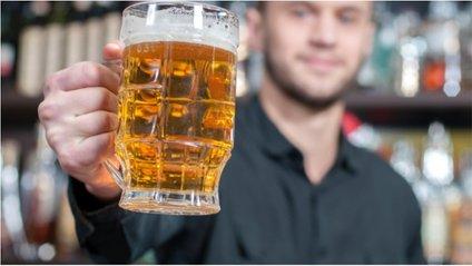 Пити пиво - фото 1