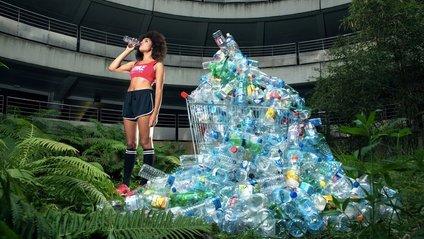 Фотограф роками не викидав сміття, щоб показати, що ми на порозі катастрофи - фото 1