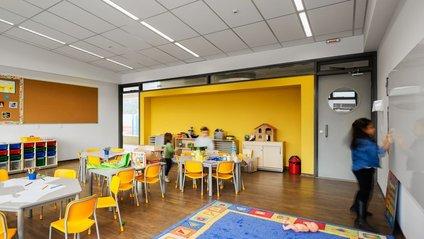 Як виглядає сучасна школа для дітей у Бразилії: неймовірні фото - фото 1