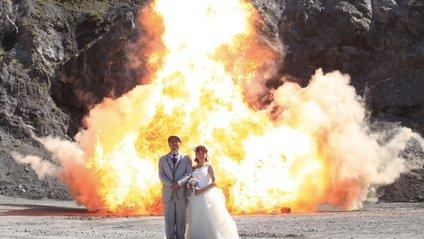 Не для слабкодухих! Японці влаштували весільну фотосесію з вибухами - фото 1