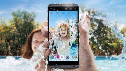 LG Q8 став компактною версією торішнього V20 - фото 1