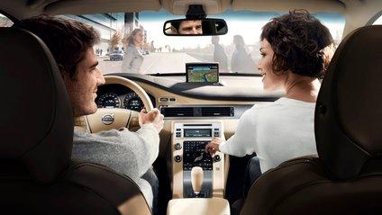 Чому завжди потрібно пристібатися на задньому сидінні авто - фото 1