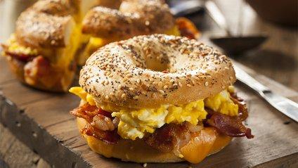 У Нью-Йорку продають сендвічі з золотом за тисячу доларів - фото 1