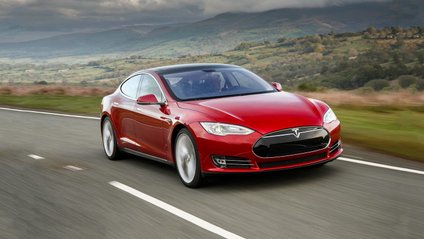 В Австрії загорілася Tesla Model S: фотофакт - фото 1