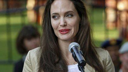 Джолі не в кращому стані - фото 1