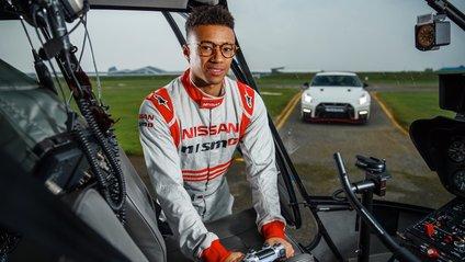 Nissan GT-R під'єднали до джойстика та розігнали до 200 кілометрів - фото 1