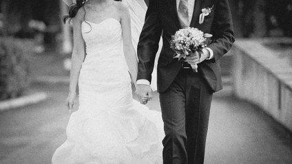 Весільне фото викликало великий скандал - фото 1