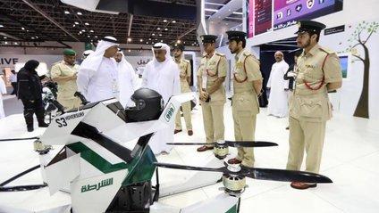 У Дубаї поліцейські пересіли на літаючі мотоцикли - фото 1
