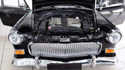 Під капотом встановлений 5,5-літровий V12 твін-турбо - фото 1