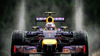 Гоночний болід Формули-1 - фото 1
