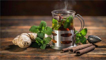 Імбирний чай містить велику кількість вітаміну С - фото 1