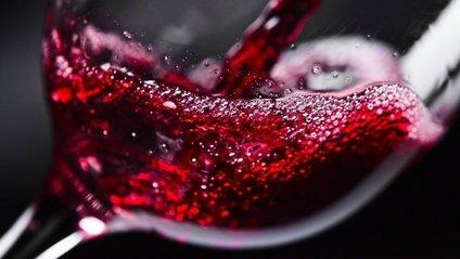 Від цього небезпечного захворювання вбереже червоне вино - фото 1