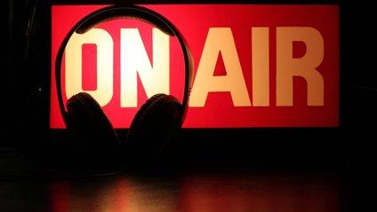 У Канаді радіоведучим дозволили лаятися матом - фото 1