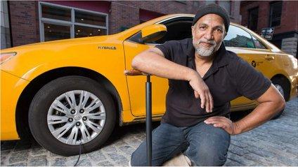 Календар з таксистами допоміг зібрати більш ніж $60 000 - фото 1