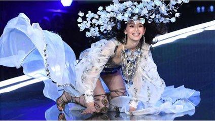 Ангел Victoria's Secret впала під час дефіле - фото 1