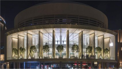 Широка тераса забезпечена екранами з вуглецевого волокна - фото 1