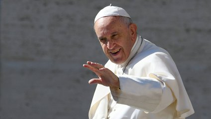 Папа Римський розповів, що можна робити під час молитви - фото 1