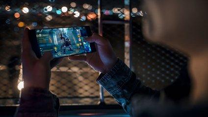 Що допомагає смартфону Razer Phone боротися з перегрівом - фото 1