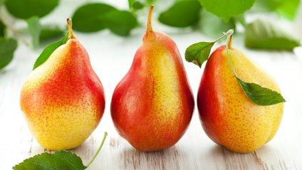 Дієтологи пояснили, кому і чому не можна їсти груші - фото 1