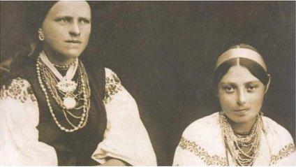 Особливості українського народного одягу відрізняються в залежності від регіонів - фото 1