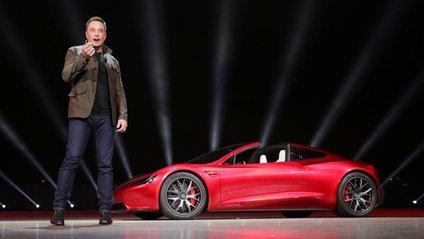 Ілон Маск представив яскравий Tesla Roadster 2 - фото 1