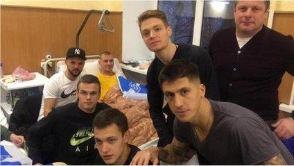 """""""Футболістів """"Динамо"""" воїни чекали як діти Новий рік - фото 1"""