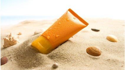 Ось чому потрібно користуватися сонцезахисним кремом у літаку - фото 1