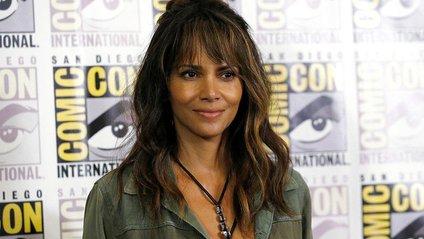 51-річна акторка вразила ідеальною фігурою - фото 1