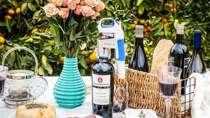 Coravin створила пристрій, який наливає вино без відкриття пляшки - фото 1