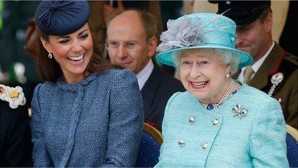 Єлизавета II звільнила свого постачальника спідньої білизни - фото 1
