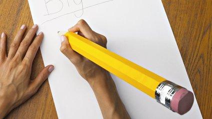 Дівчинка зіграла імперський марш із Зоряних війн олівцем на папері - фото 1