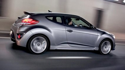 Hyundai на відео розсекретила екстер'єр хетчбека Veloster - фото 1