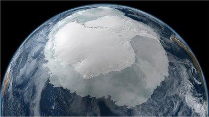 Під шаром льодового панцира може знаходитися секретна база інопланетян - фото 1