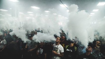 Вчені назвали головну небезпеку електронних сигарет - фото 1