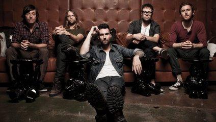 Maroon 5 випустили незвичайний кліп на трек Wait - фото 1