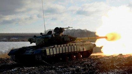 Як українські танкісти тренуються в зоні АТО - фото 1