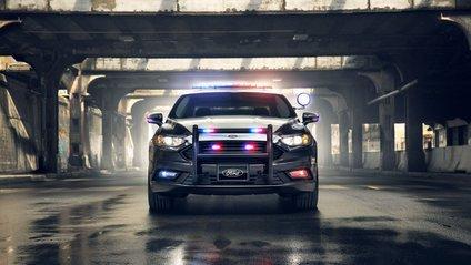 Ford запатентував безпілотний поліцейський автомобіль - фото 1
