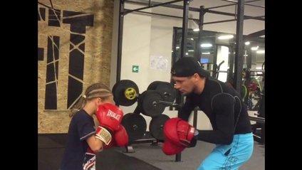 Українська боксерка-вундеркінд викликала фурор своїм відео у соцмережах - фото 1