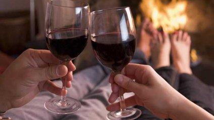 Учені виявили користь червоного вина для здоров'я зубів - фото 1