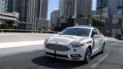 Безпілотні автомобілі Ford почали розвозити піцу в Маямі - фото 1
