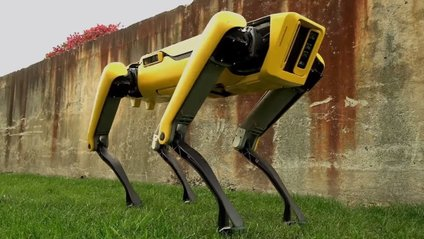 Робот-собака від Boston Dynamics навчився відкривати двері - фото 1