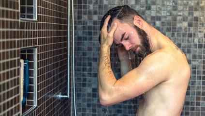 Учені розповіли, як часто потрібно приймати душ - фото 1