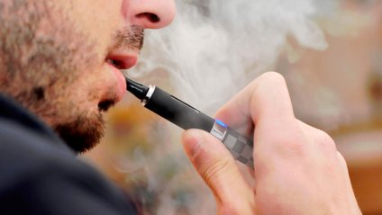 Вчені знайшли в електронних сигаретах свинець і миш'як - фото 1