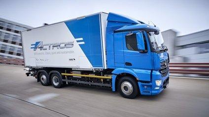 Mercedes-Benz представила електричну вантажівку eActros - фото 1