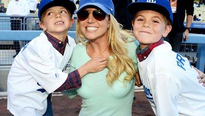 Брітні Спірс показала, як розважається з дітьми - фото 1