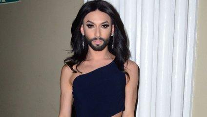 Кончіта Вурст поміняла колір волосся і бороди - фото 1