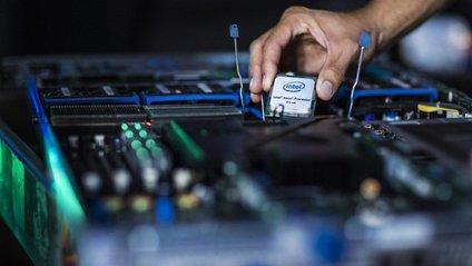 Глава Intel покинув свій пост через заборонені стосунки - фото 1