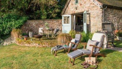 Самі господарі називають свій будинок Wishbone Cottage - фото 1